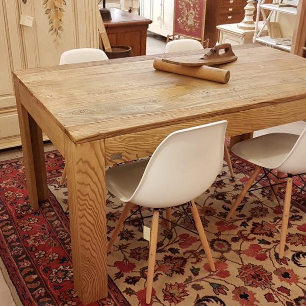 Arredamento contemporaneo mobili country su misura siena for Tavoli contemporaneo design