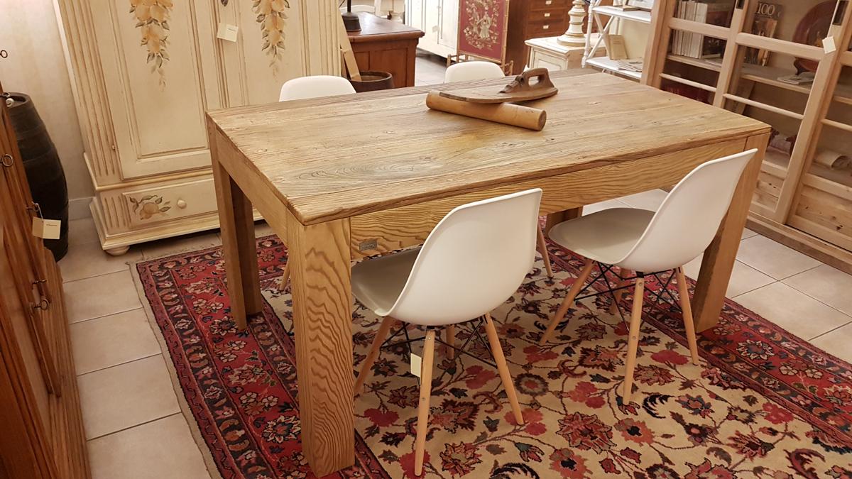 Arredamento contemporaneo mobili country su misura siena for Tavolo rettangolare design