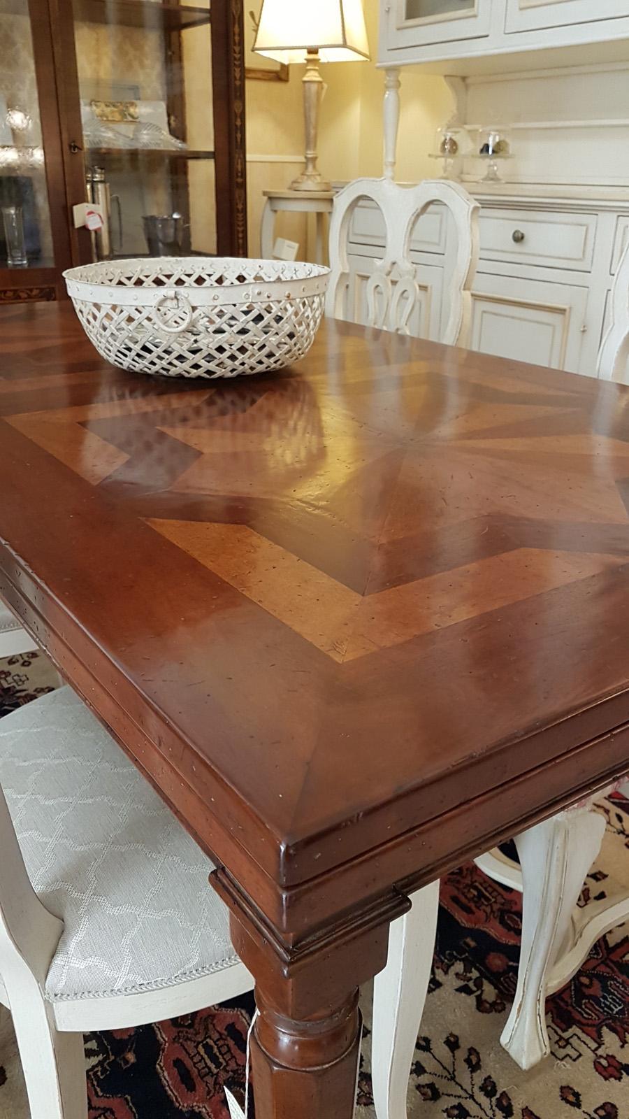 Arredamento contemporaneo mobili country su misura siena firenze tavolo noce con parquet - Tavolo allungabile classico ...