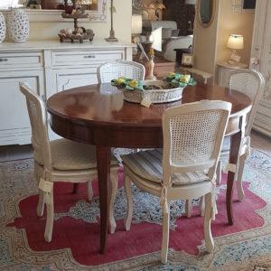tavolo-ovale-noce-intarsiato-allungabile. Arredamento classico contemporaneo Siena e Firenze.