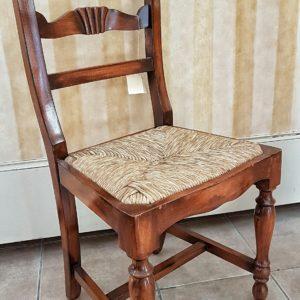 sedia-noce-gambe-tornite