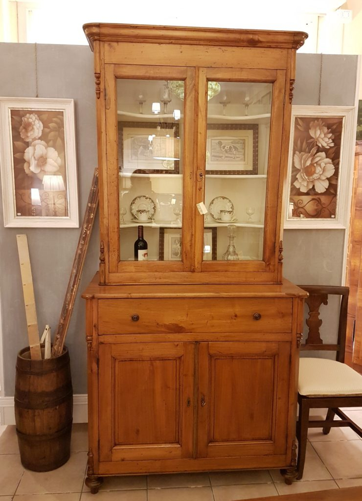 Credenza con alzata a vetrina in legno di pero metà Ottocento toscana Mobili antichi Siena e Firenze