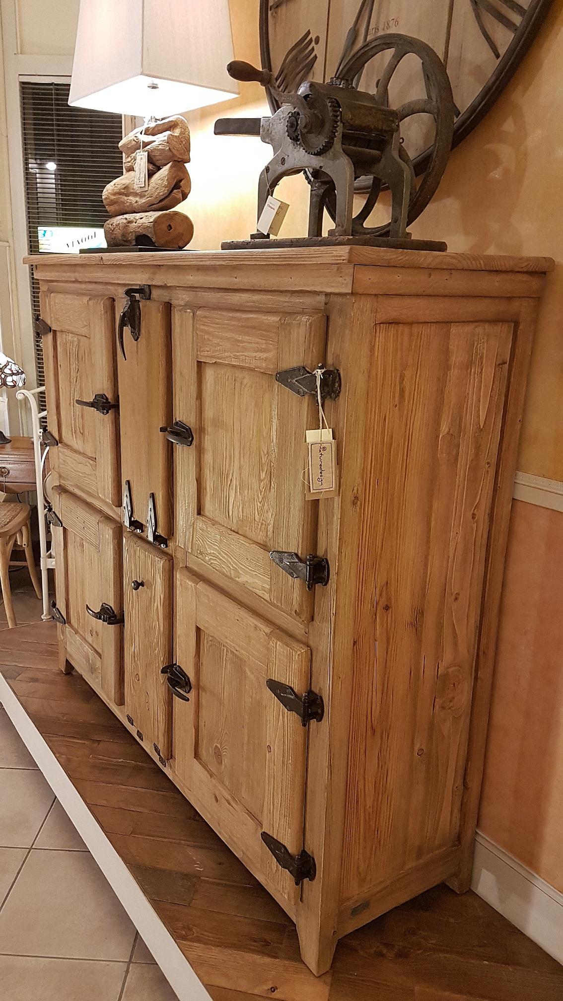 Arredamento contemporaneo mobili country su misura siena for Designer di mobili in legno