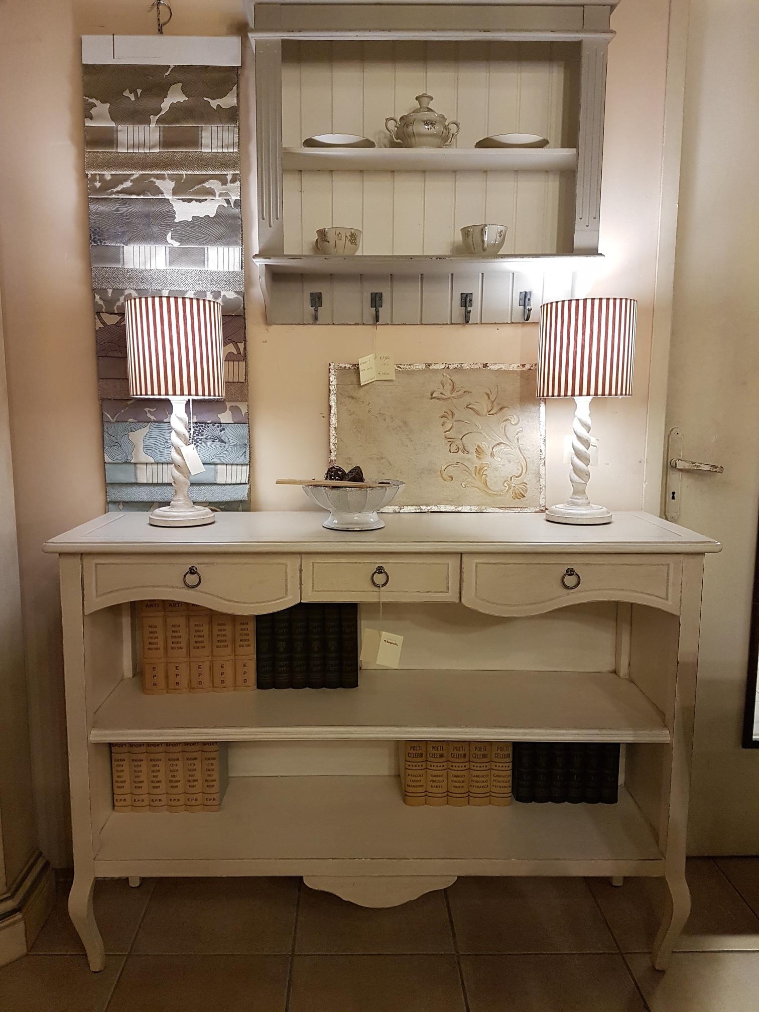 Finest libreria bassa in legno laccata a mano stile country inglese mobili country siena e - Mobili stile inglese bianco ...