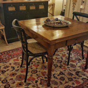 Tavolo quadrato toscano in olmo e radica di olmo metà ottocento. Mobili antichi Siena e Firenze