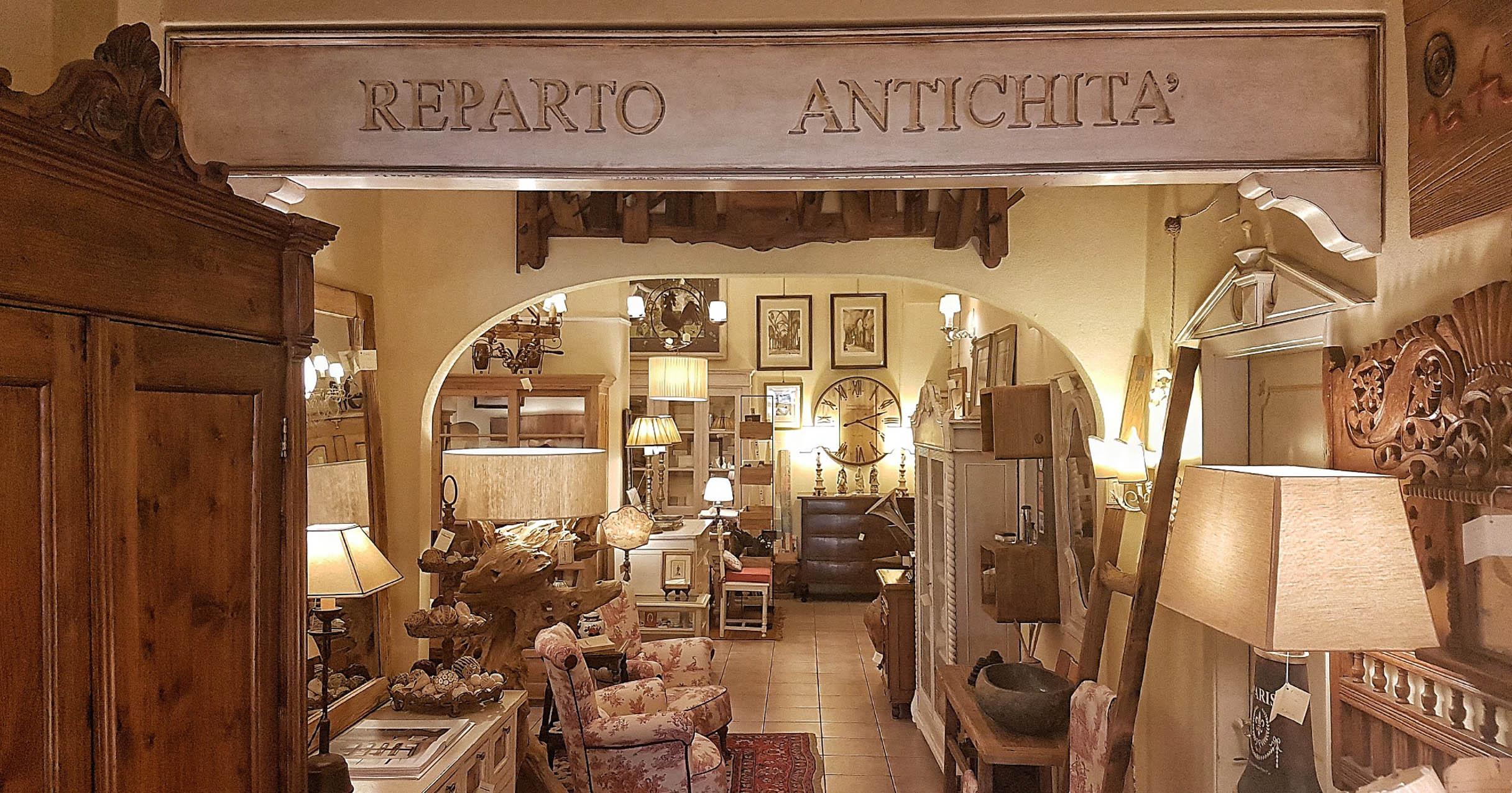 Arredamento Toscano. Free Com Quattro Cassetti Lastronato In Legno ...