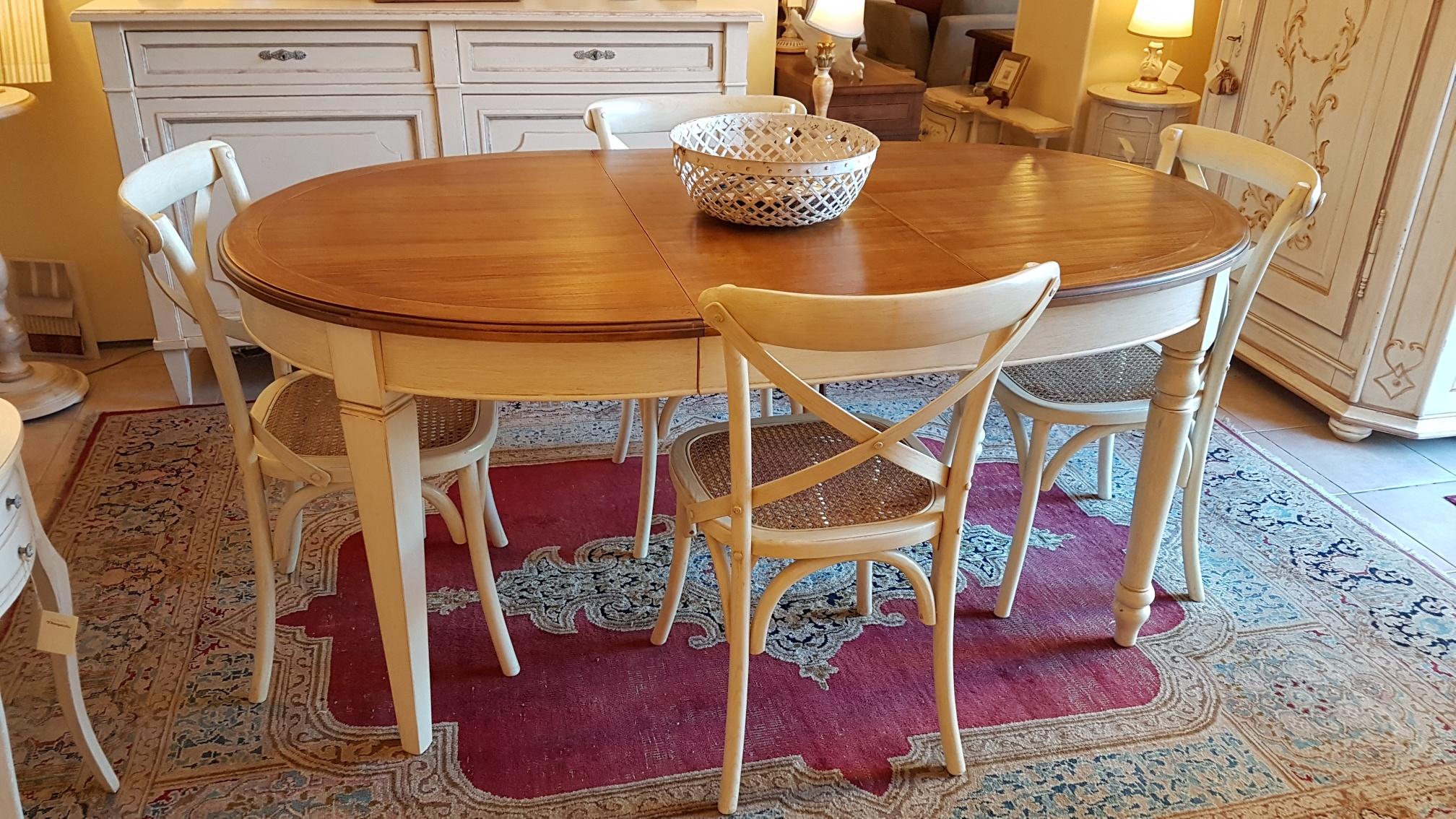 Arredamento contemporaneo mobili country su misura siena - Tavolo ovale allungabile ...