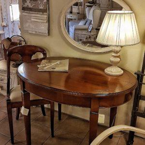 tavolo-ovale-in-ciliegio-allungabile-arredamento-classico-contemporaneo-gambe-a-spillo. Arredamento contemporaneo su misura Siena e Firenze.