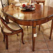 tavolo ovale in ciliegio allungabile arredamento classico contemporaneo gambe a spillo con 1 allunga.  Arredamento contemporaneo su misura Siena e Firenze.