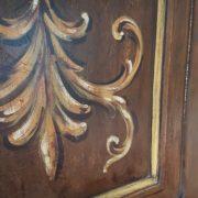 Aramdio a due ante in legno di pioppo laccato e decorato a mano.Arredamento contemporaneo su misura Siena e Firenze. (1)