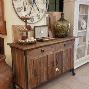Credenza vintage natural in legno di olmo vecchio.Arredamento contemporaneo su misura Siena e Firenze