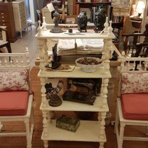 Libreria étagère antica in stile inglese metà Ottocento in legno di abete laccata a mano. Mobili antichi Siena e Firenze