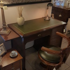 Scrittoio-porta computer in legno di ciliegio a un cassetto, piano rettangolare e cassettiera a rullo. Arredamento contemporaneo su misura Siena e Firenze (2)