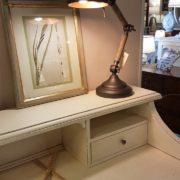 Scrittoio-porta computer in legno di ciliegio, piano rettangolare, alzata a due cassetti cassettiera a rullo.Arredamento contemporaneo su misura Siena e Firenze (10)