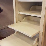 Scrittoio-porta computer in legno di ciliegio, piano rettangolare, alzata a due cassetti cassettiera a rullo.Arredamento contemporaneo su misura Siena e Firenze (2)
