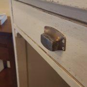 Scrittoio-porta computer in legno di ciliegio, piano rettangolare, alzata a due cassetti cassettiera a rullo.Arredamento contemporaneo su misura Siena e Firenze (5)