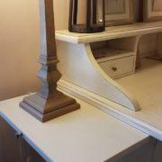 Scrittoio-porta computer in legno di ciliegio, piano rettangolare, alzata a due cassetti cassettiera a rullo.Arredamento contemporaneo su misura Siena e Firenze (8)