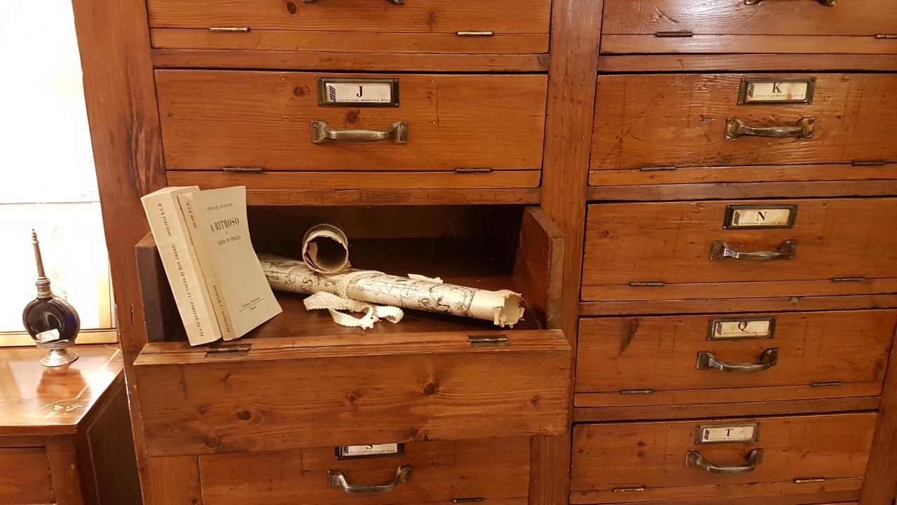 Schedario Ufficio Legno.Arredamento Contemporaneo Mobili Country Su Misura Siena