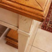 Consolle in legno di ciliegio anticato piano rettangolare al naturale, un cassetto e ripiano sottostante laccato a mano. Finitura. Arredamento contemporaneo Siena e Firenze
