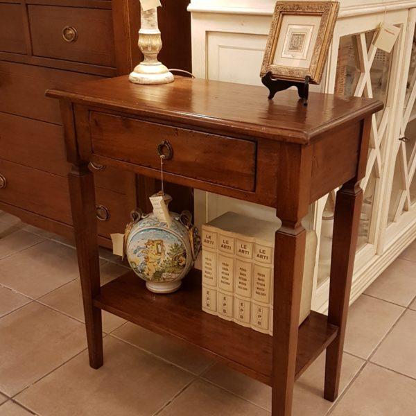 Tavolino consolle in legno di tiglio con cassetto e ripiano.Arredamento contemporaneo su misura Siena e Firenze