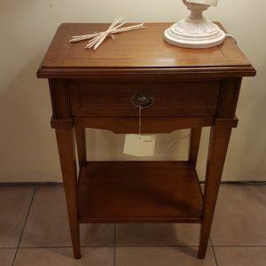 Tavolino in legno di ciliegio intarsiato rettangolare a un cassetto con ripiano sottostante. Arredamento contemporaneo su misura Siena e Firenze