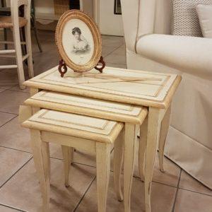 Tris di tavolini laccati a mano di forma rettangolare in legno di faggio. Arredamento contemporaneo su misura Siena e Firenze