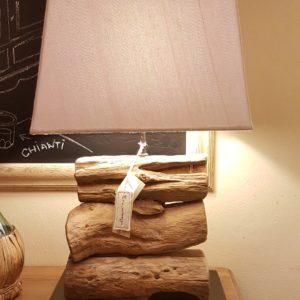Lampada Dacia di Nature Design in legno antico di radici di mangrovie.Arredamento contemporaneo su misura Siena e Firenze