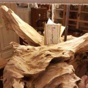 Lampada Root Nature Design in legno antico spazzolato con radici di mangrovie. Paricolare paralume. Arredamento contemporaneo su misura Siena e Firenze