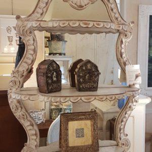 Specchiera laccata intagliata a mano Grifoni.Arredamento contemporaneo su misura Siena e Firenze