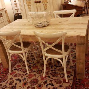 Tavolo rettangolare in legno di abete antico allungabile. Arredamento contemporaneo su misura Siena e Firenze