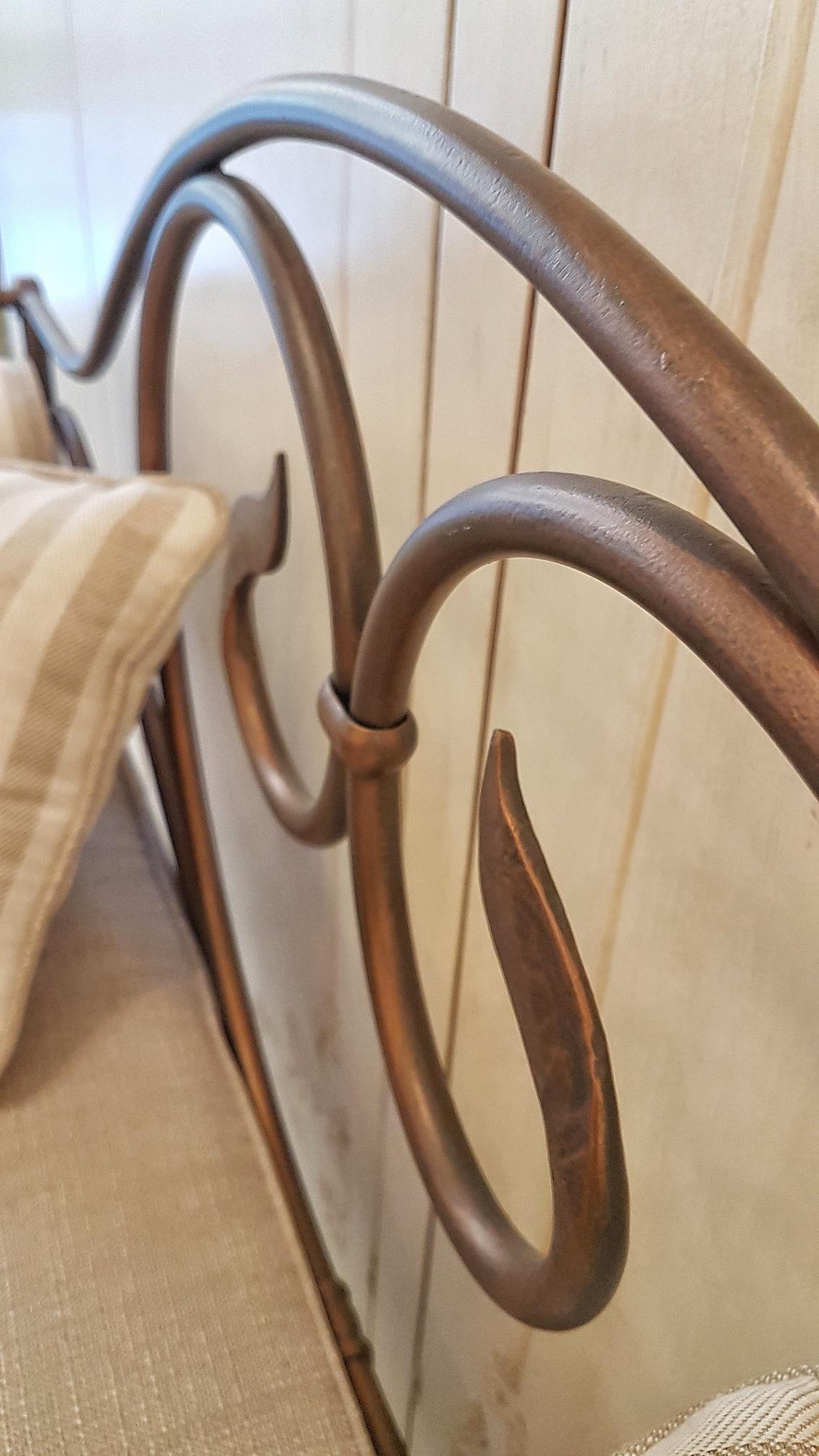 Arredamento contemporaneo mobili country su misura siena for Arredamento ferro battuto
