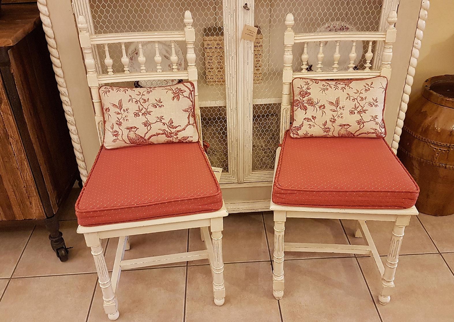 Sedie In Legno Laccate Bianco.Arredamento Contemporaneo Mobili Country Su Misura Siena Firenze