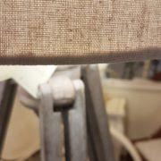 Piantana coloniale in legno di teak spazzolato. Particolare cappello in cotone. Arredamento classico contemporaneo Siena e Firenze