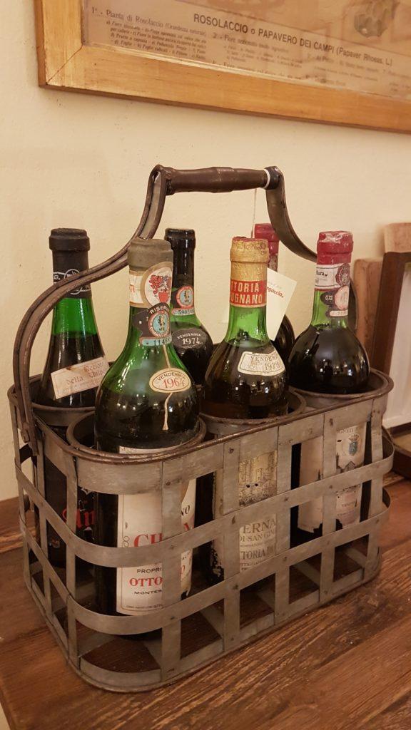 Porta bottiglie antico toscano in ferro zincato. Mobili antichi Siena e Firenze