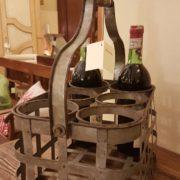 Porta bottiglie antico toscano in ferro zincato. Particolare. Mobili antichi Siena e Firenze