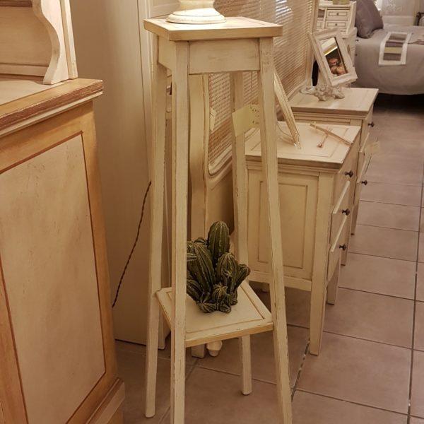 Porta vaso colonna in legno laccato a mano a quattro gambe con piano quadrato. Arredamento classico contemporaneo Siena e Firenze