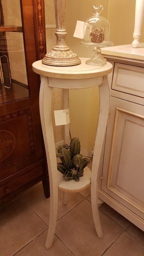 Porta vaso colonna in legno laccato a mano a tre gambe con piano rotondo. Arredamento classico contemporaneo Siena e Firenze