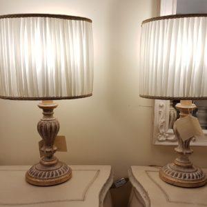 Coppia di lumi in legno intagliato laccato e foglia oro. Arredamento classico contemporaneo Siena e Firenze