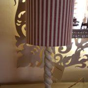 Coppia di lumi in legno laccato a torciglione. Particolare. Arredamento classico contemporaneo Siena e Firenze