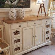 Credenza dispenza, porta pasta in legno tiglio massello, laccata bianca con piano in legno. Mobili country Siena e Firenze