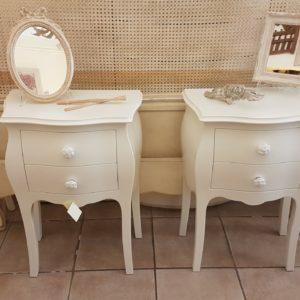 Coppia di tavolini comodini in legno massello di faggio laccati con 2 cassetti.Arredamento classico contemporaneo Siena e Firenze