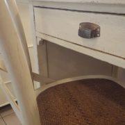 Scrittoio porta computer in ciliegio laccato con un cassetto e un tiretto laterale e cassettiera a rullo.Particolare.Arredamento contemporano su misura Siena e Firenze