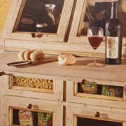 Cassettiera Credenza in legno di tiglio laccata a mano.Particolare.Arredamento classico contemporaneo Siena e Firenze