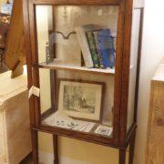 Vetrinetta antica inglese in legno di rovere.Mobili antichi Siena e Firenze.