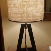 Coppia di lampade Aura con base in ferro e paralume cilindrico.Frontale .Arredamento classico contemporaneo Siena e Firenze