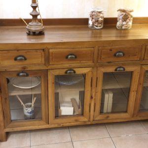 Credenza vetrina in legno di larice antico naturale.Arredamento classico contemporaneo Siena e Firenze