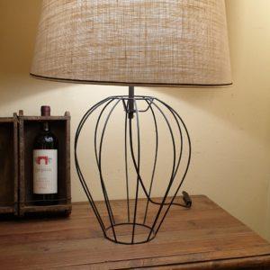 Lampada Mongolfiera con base in ferro e paralume tronco di cono.Arredamento classico contemporaneo Siena e Firenze.