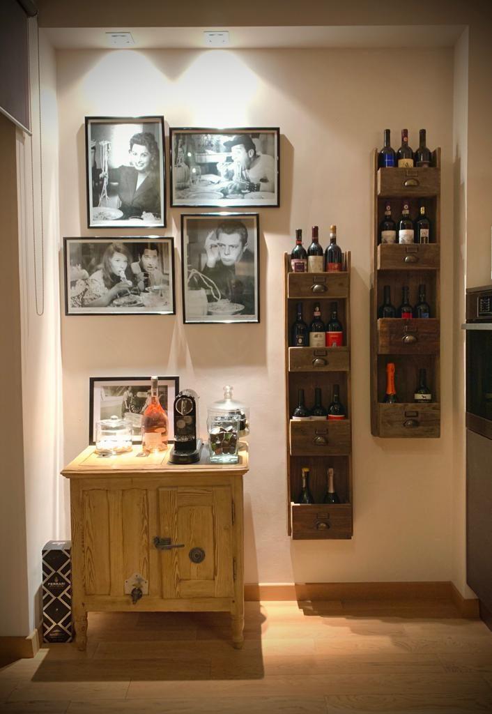 portabottiglie in legno vecchio. arredamento country Siena e Firenze.