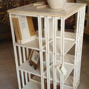 Libreria tavolino comodino laccata a mano. Arredamento classico contemporaneo Siena e Firenze.