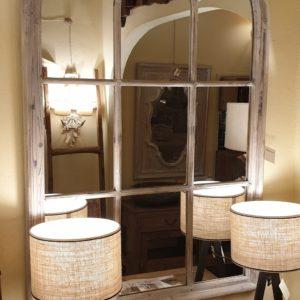 Specchiera in abete antico spazzolato e sbiancato Window. Arredamento country Siena e Firenze